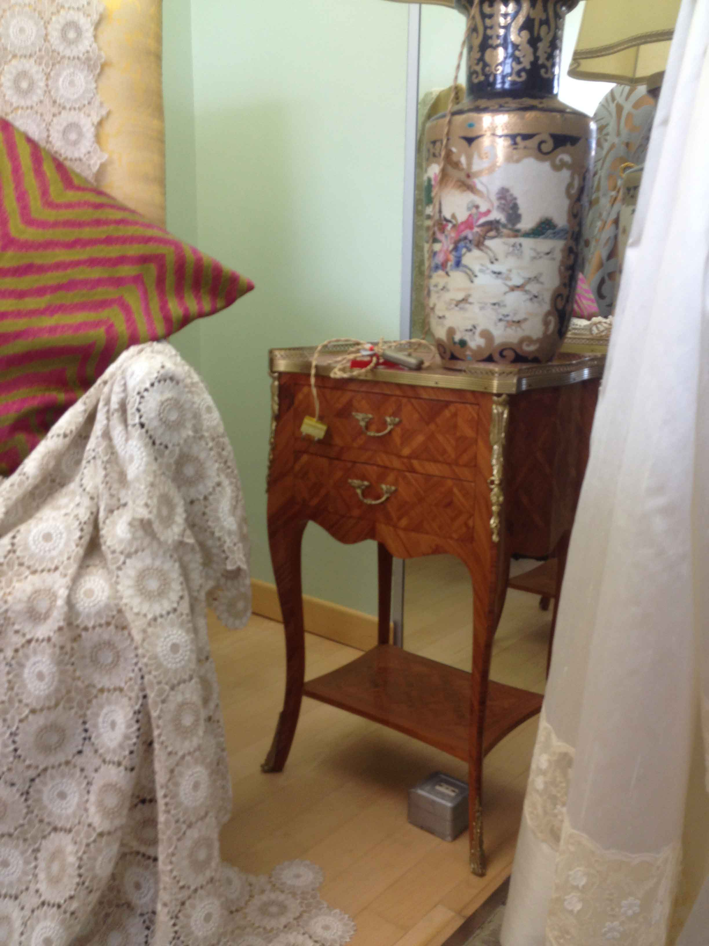 Piccoli mobili d 39 epoca charme arredamenti for Piccoli mobili antichi